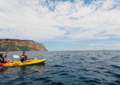 """alt=""""randonnée kayak avec guide avec calanques immersion"""""""