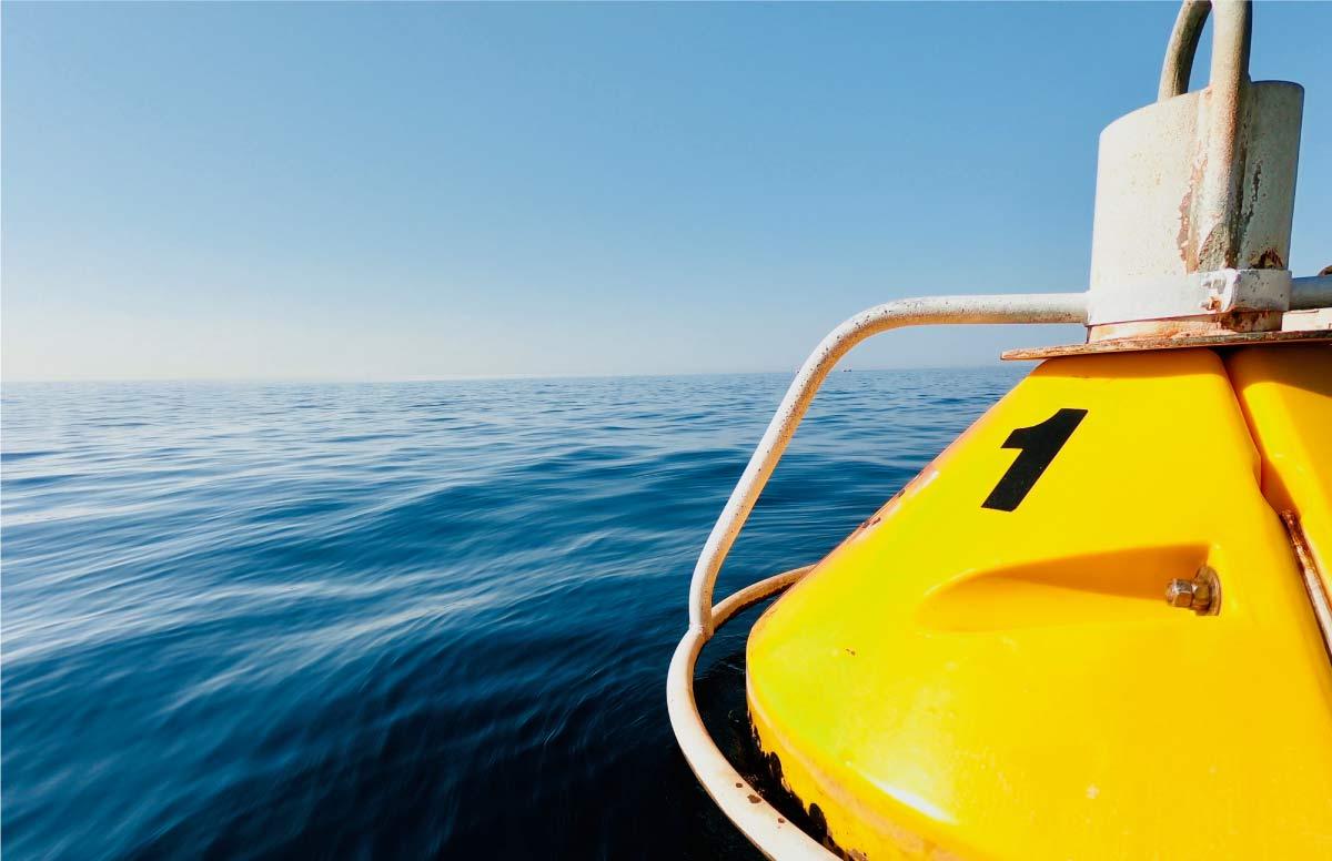 """alt=""""les conditions indispensables a remplir et le materiel indispensable pour une randonnee kayak en mer avec calanques immersion"""""""
